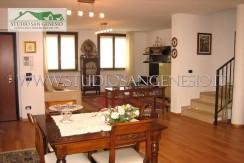 villa bifamiliare Zeccone