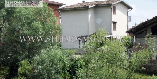 Villa singola con due appartamenti