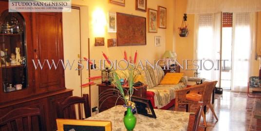 Appartamento in villa di quattro locali doppi servizi