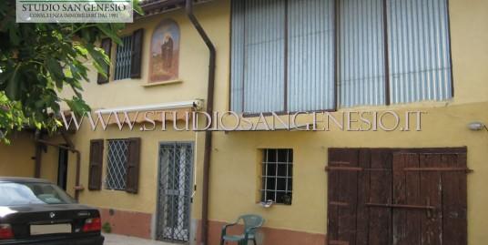 Casa indipendente con cortile privato