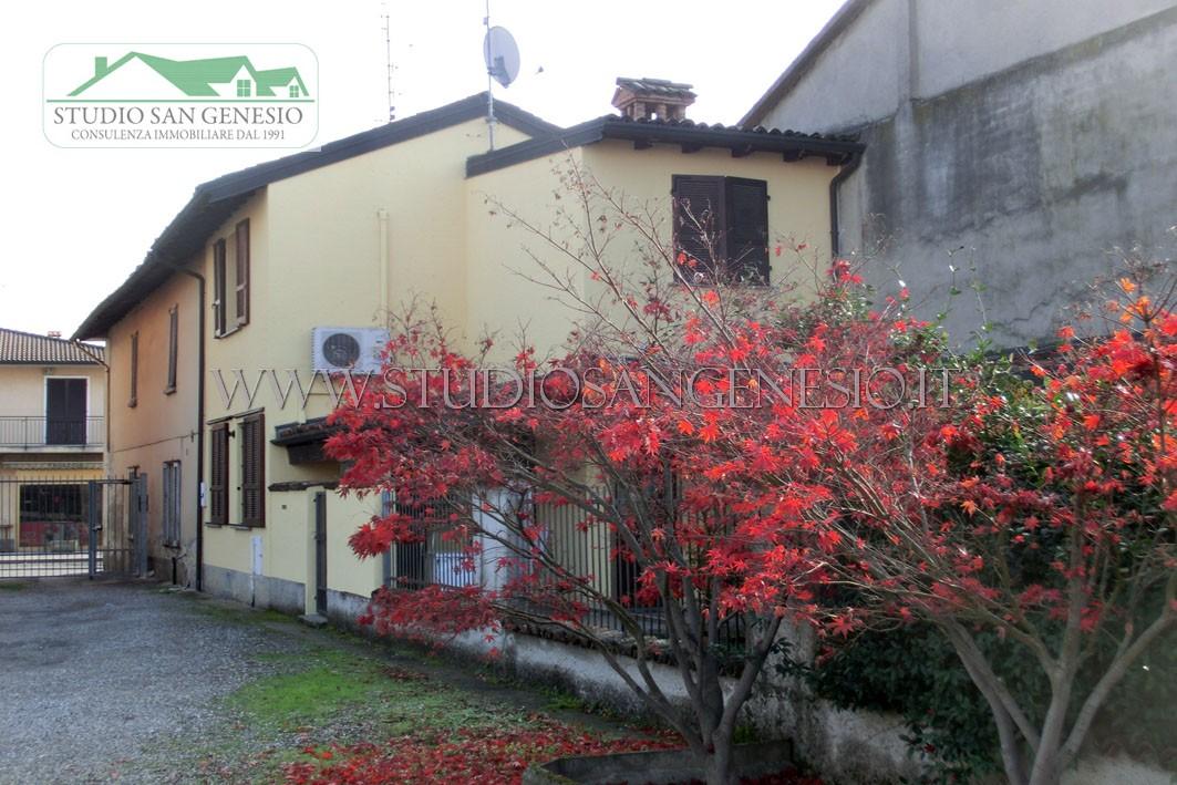 Casa semindipendente con giardino privato