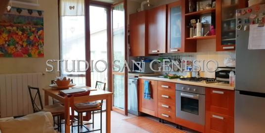 appartamento trilocale con balconi e box doppio