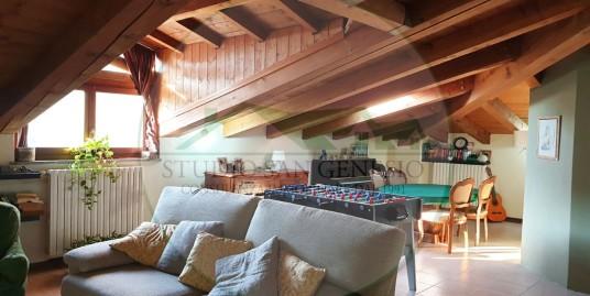 Villa a schiera di quattro locali e giardino angolare