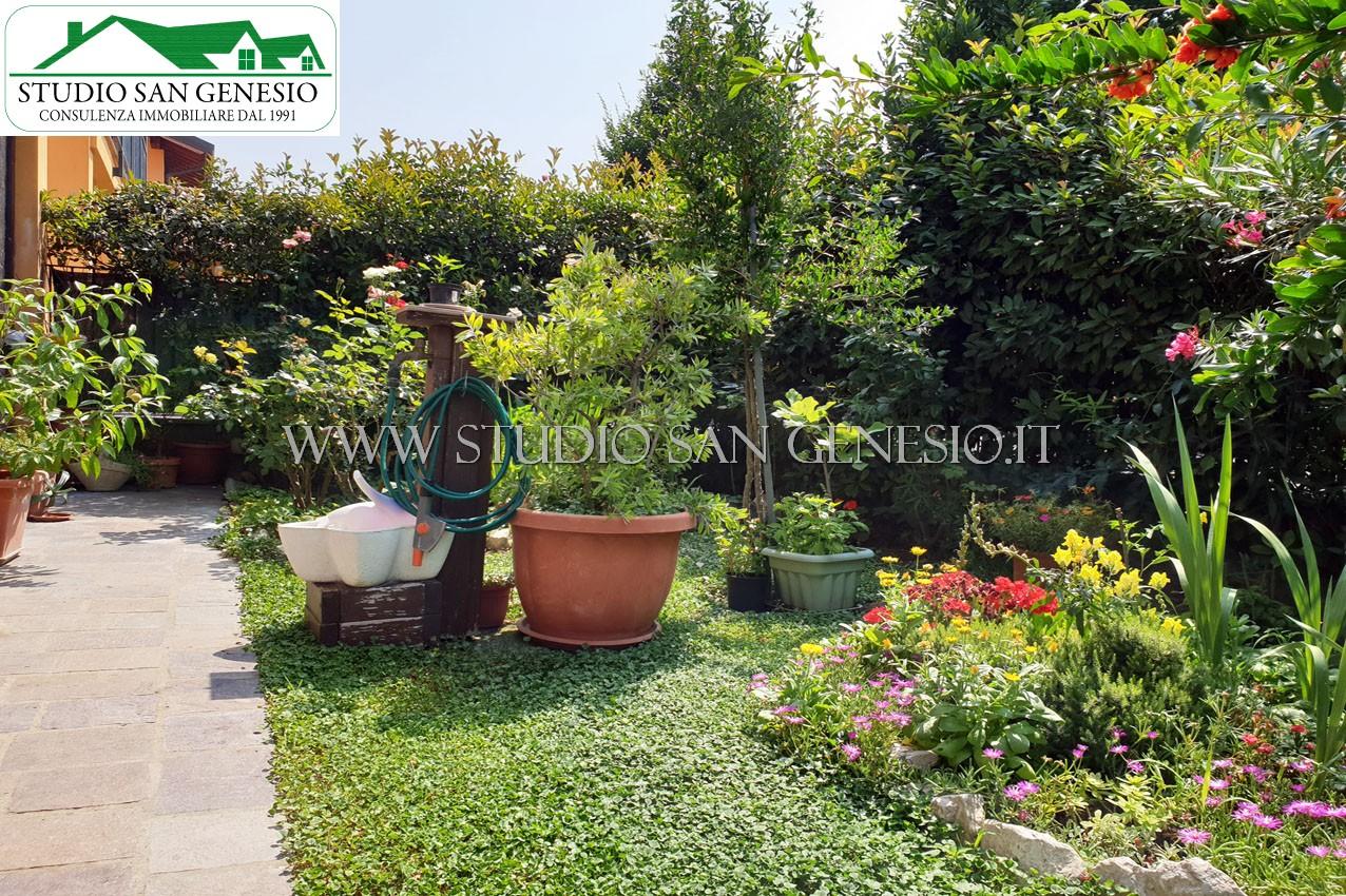 Trilocale doppi servizi e ampio giardino privato classe C