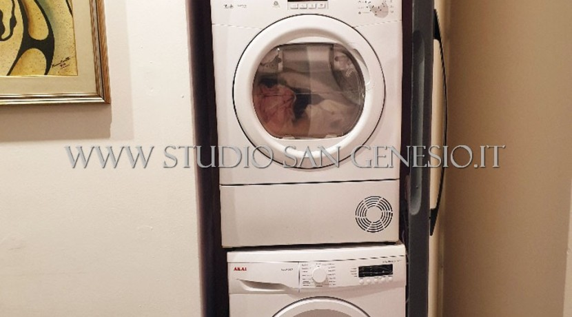 ripostiglio lavatrice