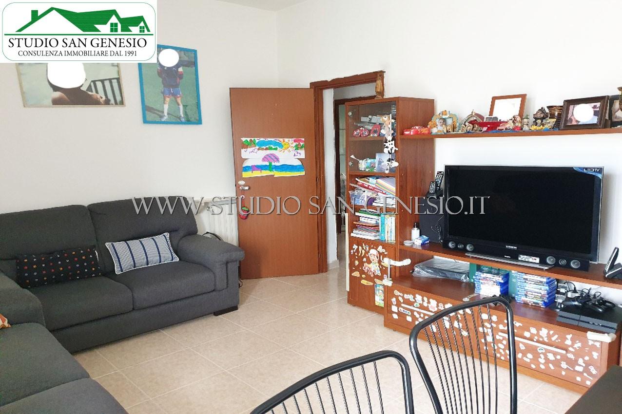 Appartamento trilocale con cantina e box